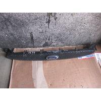 102002 Ford Escort 96-00 решетка радиатора