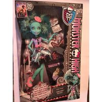 Кукла Монстер Хай Monster High Honey Swamp Frights, Camera, Action! Хани Свомп Страх, Камера, Мотор!