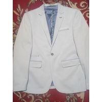 Пиджак, рубашка, джинсы    ТОЛЬКО БРЕСТ