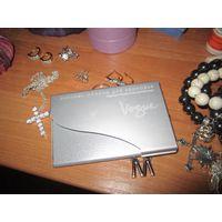Жестяная визитница Vogue с визитками