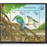 Фиджи Птицы 1994 год чистый блок