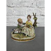 Статуэтка Свидание - Влюбленные Фарфор роспись Capodimonte Италия