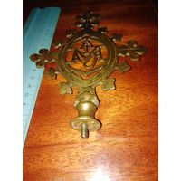 Латунный крест католический с буквами Мария конец 19 начало 20века