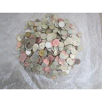 Монеты разные. Около двух кг.