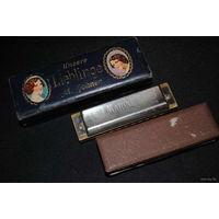 Три старые губные гармошки немецкого производства_M.Hohner_в хорошей звуковой сохранности_цена указанна за все гармошки вместе, но можно и по отдельности:_Цена за одну любую_100 у.е.!