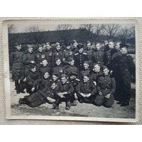 Боевое подразделение. Фото 1940-х. 8.5х11.5 см