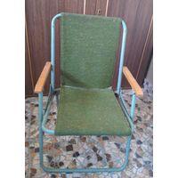 Стульчик раскладной детский, высота  - 27 см, ширина сидения –  33 см.
