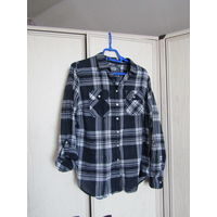 К 9 мая качественная одежда всего за 9 р. Рубашка в клетку Colins Р-р 48 Мягкий тонкий хлопок ,серебристая нить по клетке