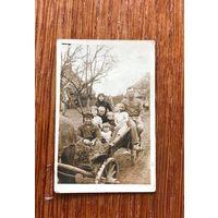 Фото семья на подводе, этнография, Западная Беларусь до 1939