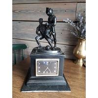 Касли чугун настольные часы Футболисты 1962