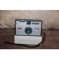 Фотоаппарат  плёночный Kodak Instamatic 50, Made in USA.