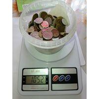 1 кг монет разных стран мира 2 . С рубля .