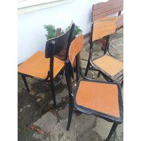 Старинные стулья (цена за 1 ).Всего 3 шт.