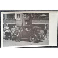 Фото с автомобилем. Конец 40-х. После войны на оккупированной территории Германия. 8,5х13.5 см.