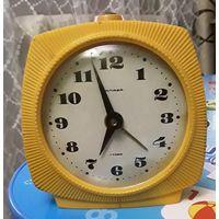 Часы янтарь будильник