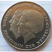 Нидерланды 2,5 гульдена, 1980 Коронация королевы Беатрикс     ( К-5-3 )