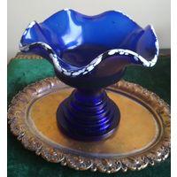 Ваза фруктовница десертница кобальтовое стекло старая работа