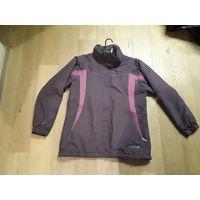 Фирменная куртка, ветровка Regatta, утепленная.