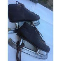 В магазинном  сохране и ботинки  на  редком КОРИЧНЕВОМ окрасе идеальной натур. коже советские  коньки