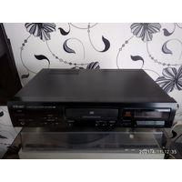 CD проигрыватель TEAC CD-P1160D