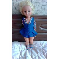 Кукла гдр ,требует перетяжки резинок на руках