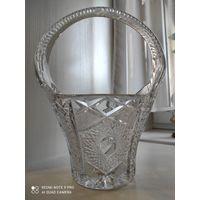 Корзина ваза хрусталь большая.