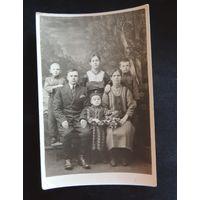 "Фото ""Беларуская семья"", Жабинка, 1930-е гг."