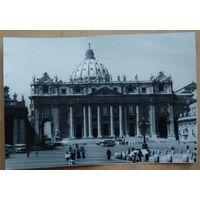 Фото Собора Святого Петра в Риме. 1960-е. 13х18 см.