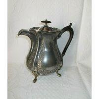 Старенький чайник - кофейник. Объём 1 литр.