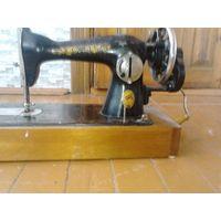 Ручная швейная машинка ПМЗ