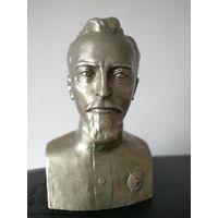 Бюст Дзержинского 1982г. Скульптор Теплов