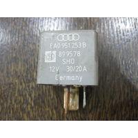 101545 Audi 80/100 реле 208 - 8a0951253b