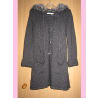 Пальто Zara trf вязаное с меховым капюшоном! р.S. Классное ;)