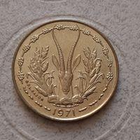 10 франков 1971 г. Западная Африка