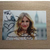 Фото актрисы Кэмерон Диас с автографом.