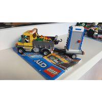 В наборе Лего 60073 присутствуют 2 минифигурки рабочих и множество аксессуаров, таких как кофейная кружка, лопата, метла, мусорный бак и 2 оградительных барьера с сигнальными огнями.