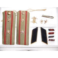 Погоны военный медик СССР, зажим для галстука, эмблемы, петлицы, колодки.