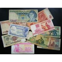 10 банкнот без повтора.