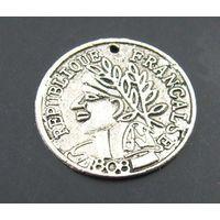 Монета, старинная, античная 18 мм. с дырочкой. распродажа