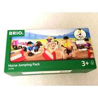Игровой набор BRIO Ипподром (33796)  Игрушки Brio совместимы между собой с наборами Ikea, Plan Toys, Woody и ELC.  Из деталей, входящих в игровой набор, можно собрать площадку для тренировки лошадей -