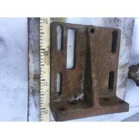 Мощная -кг 15 , советская  плита  -подставка-держатель из прочного  металла.Размеры  см. по  линейке и ведру!