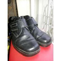 Ботинки женские, 37 размер. БУ. С новыми стельками.