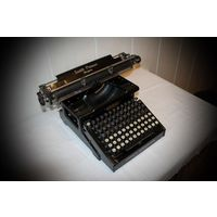 Smith Premier(Смисъ Премьеръ), пишущая машинка 1915 г выпуска.