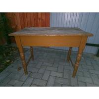 Столик старинный небольшой
