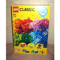 """Набор LEGO Classic 11005 (900 деталей) """"Веселое творчество""""  Новый, не открывался. Набор 2019 года. Размеры коробки: 38,5х26х14 см, вес - 1,21 кг Деталей: 900 штук!  Возраст: 4-99 Развиваемые навыки:"""
