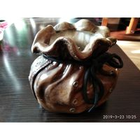 Декоративная ваза для цветов из керамики Мешок на завязках