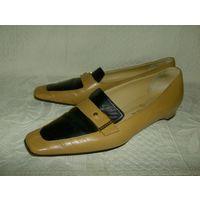 Chanel  Винтажные  туфли  на 37 размер.