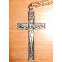 Крестик старинный нательный оловянный на латунной цепочке