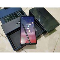 Samsung galaxy note 9- 8/512gb максимальная версия,полный родной комплект,мало бу,покупался в салоне.При покупки сразу наклеено стекло и одет чехол.Состояние идеальнейшее,КАК НОВЫЙ,Документы все есть.