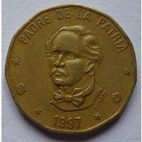 Доминиканская Республика. 1 песо 1997г.